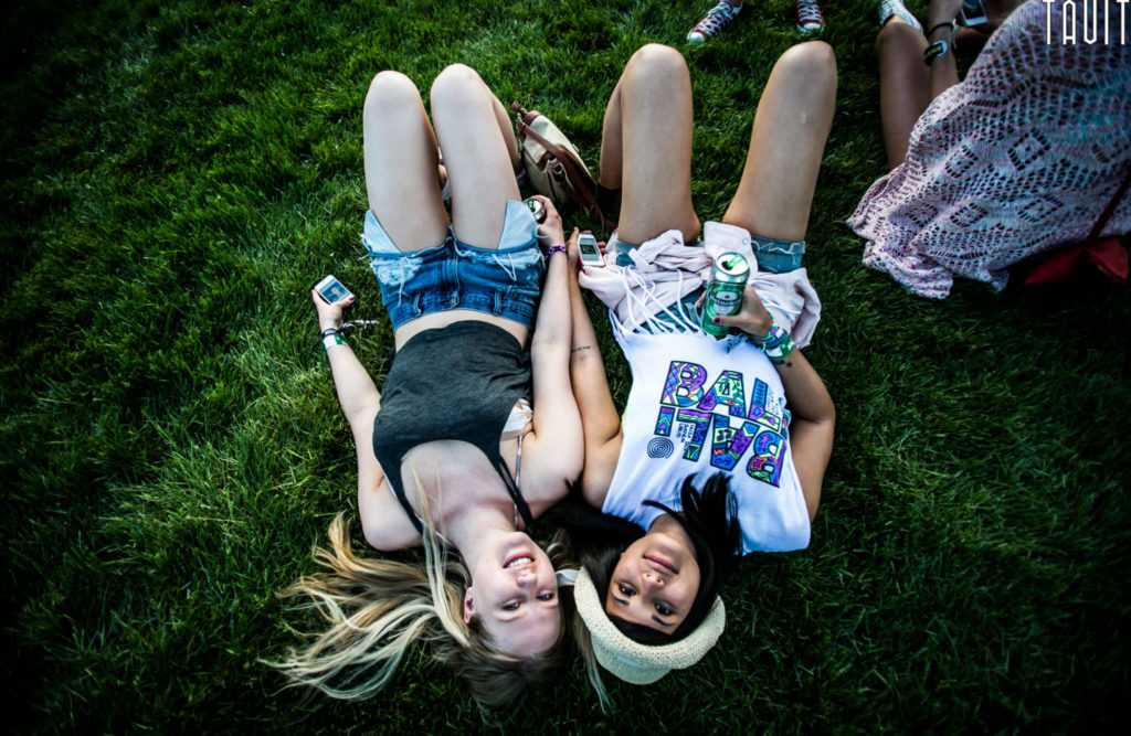 Mysteryland 2014 | Music Festival Photography Stage | Girls laying in grass